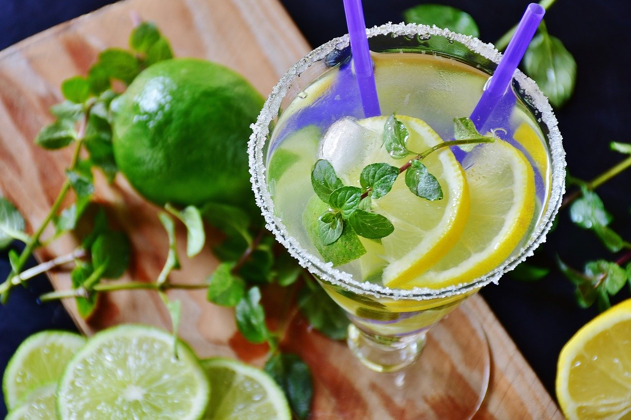 Blog Thumbnail of Spring Mocktails to Sip and Serve Right Now